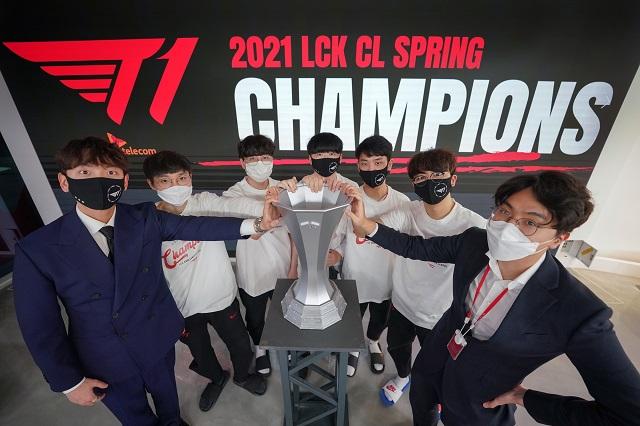 T1, 2021 LCK CL 스프링 우승…'로치' 김강희 MVP
