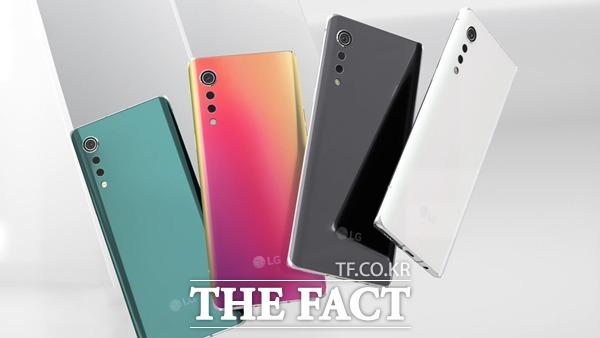 LG전자가 23분기 연속 적자를 기록한 스마트폰 사업 철수를 결정했다. 사진은 LG 벨벳의 모습. /LG전자 제공