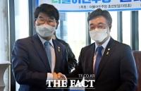 '초선 의원 부름에 응답한' 윤호중-박완주 [TF사진관]