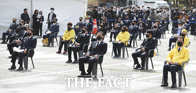 세월호 7주기 기억식에 참석한 여야 정치인들.