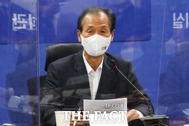 강원도가 추진 중인 차이나타운 사업을 반대하는 청원이 56만명을 돌파했다. 지난 1월 최문순 강원도지사가 당정협의에 참석한 모습. /남윤호 기자