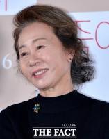 [강일홍의 클로즈업] 윤여정, 사상 첫 아카데미 연기상 '전설' 쓸까