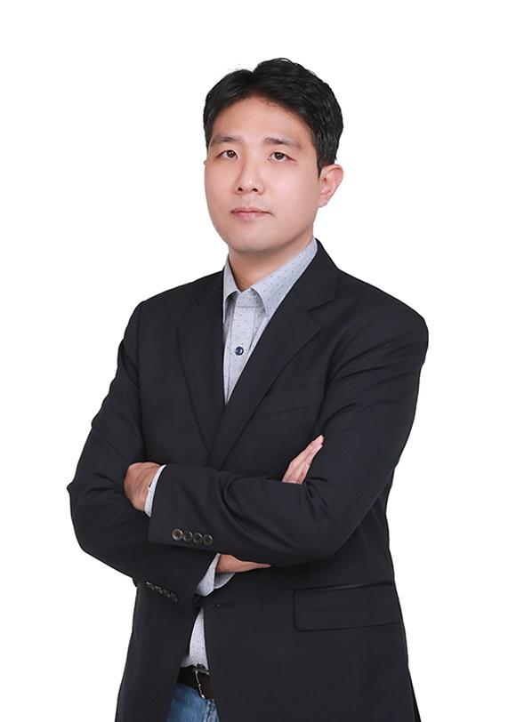 신한은행은 AICC(통합AI센터) 센터장에 김민수 삼성SDS AI선행연구Lab장을 영입했다고 19일 밝혔다. /신한은행 제공