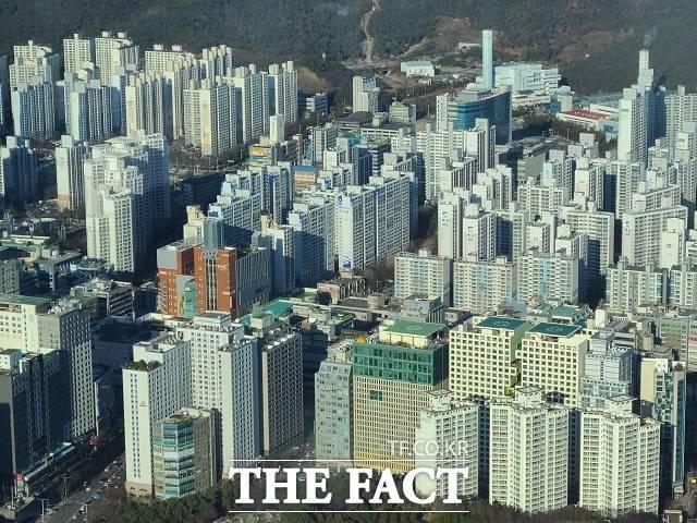 부산시가 속도감 있는 정비사업 추진을 위해 재개발·재건축 사업의 각종 규제를 완하한다고 19 밝혔다. /부산=김신은 기자