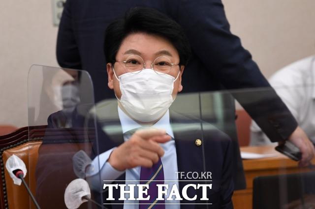 장제원 국민의힘 의원은 20일 김종인 전 비상대책위원장을 향해 이간질이라며 강하게 비판했다. /남윤호 기자