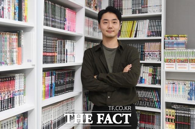 신상원 이사가 서울 성동구 성수동 사무실에서 더팩트와 인터뷰에 앞서 포즈를 취하고 있다. /이새롬 기자