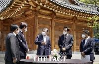 文대통령 만난 오세훈·박형준, 李·朴 '사면' 재건축 '규제 완화' 건의