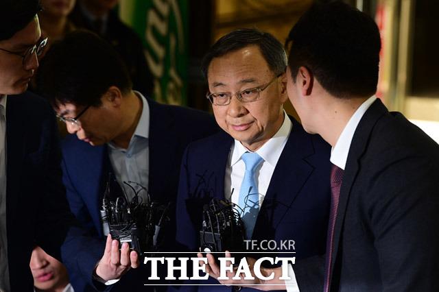 검찰이 KT의 쪼개기 후원 의혹 수사를 재개했다. /임세준 기자