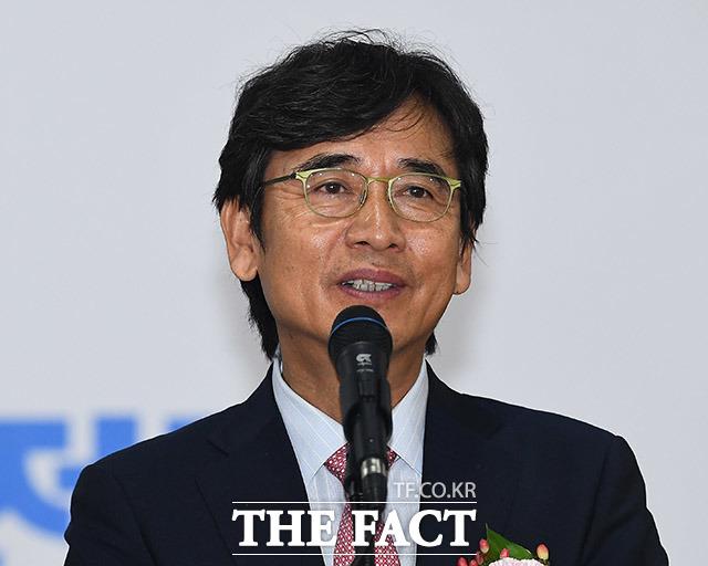 유시민 노무현재단 이사장이 다스뵈이다에 출연해 4·7 재·보궐 선거 결과에 낙심하지 말라고 전했다. /더팩트 DB