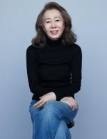 '미나리' 윤여정, 오스카 트로피 받을까…韓 배우 최초의 도전