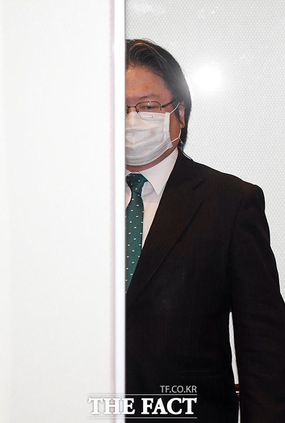 소마 히로히사 주한 일본대사관 총괄공사가 27일 오전 서울 종로구 도렴동 외교부 청사로 초치 되고있다./임영무 기자