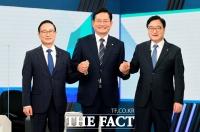 방송 토론 앞두고 손잡은 홍영표-송영길-우원식 [TF사진관]