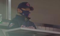 동빈이형도 야구장에 떴다…신동빈 롯데 회장, 약 6년 만 깜짝 방문