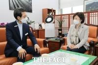 유기상 고창군수, '노을대교 조기착공' 3만명 서명부 국회 전달
