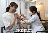 도쿄올림픽 앞두고 백신 맞는 배유나 [포토]