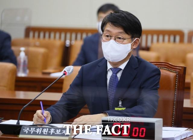 안경덕 고용노동부 장관 후보자는 유일하게 야당으로부터 칭찬을 받은 후보자가 됐다. /남윤호 기자