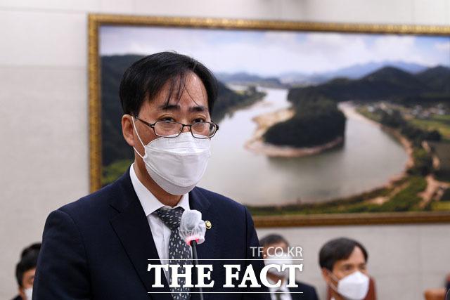 인사청문회에 출석한 박준영 해수부 장관 후보자.
