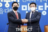 '법사위원장 대립' 윤호중·김기현, 만나서는 서로