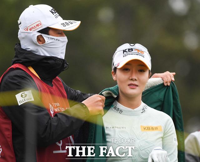 출발 대기하는 오지현(오른쪽)