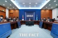 文대통령, '취임 4주년'…'미완의 난제' 수두룩