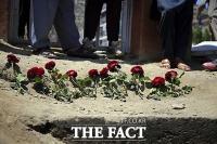 아프간 학교 폭탄 테러, 68명 사망...대부분 여학생 [TF사진관]