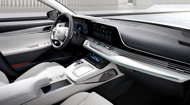 현대차는 2021 그랜저에 베이지와 블랙 컬러의 새로운 조합의 인테리어를 적용한 스페셜 트림 르블랑을 추가했다. /현대차 제공