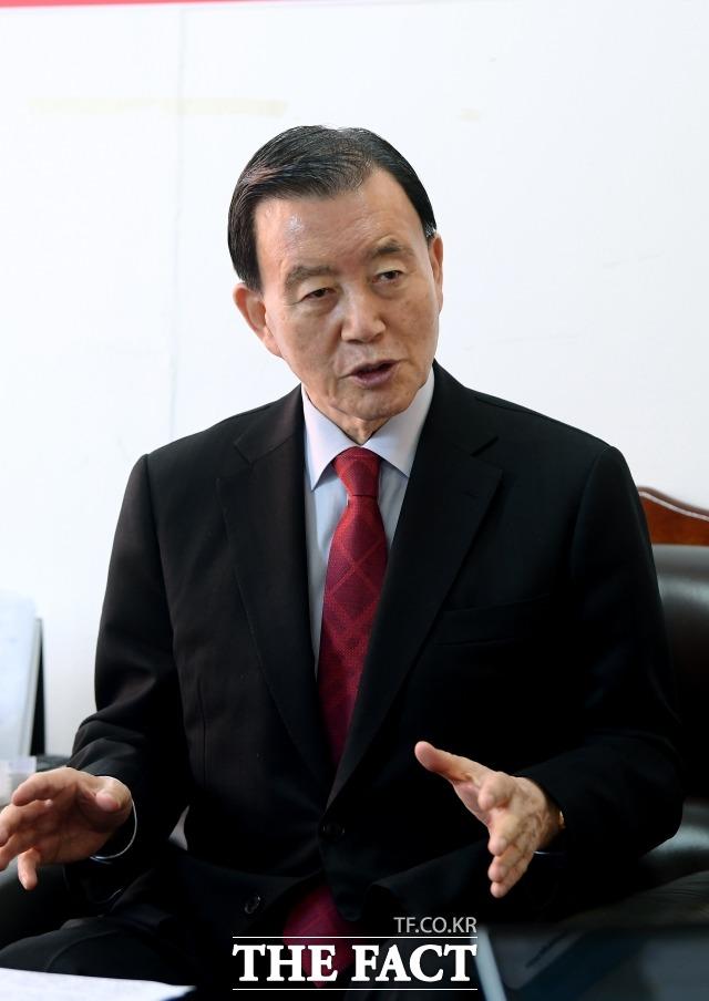 홍 의원은 패스트트랙 사태에 대응했던 나경원 전 의원과 원 구성 협상에 나섰던 주호영 전 원내대표를 강하게 비판했다. /이선화 기자