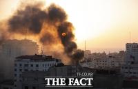 이스라엘-팔레스타인 사흘째 무력충돌...사상자 급증 [TF사진관]