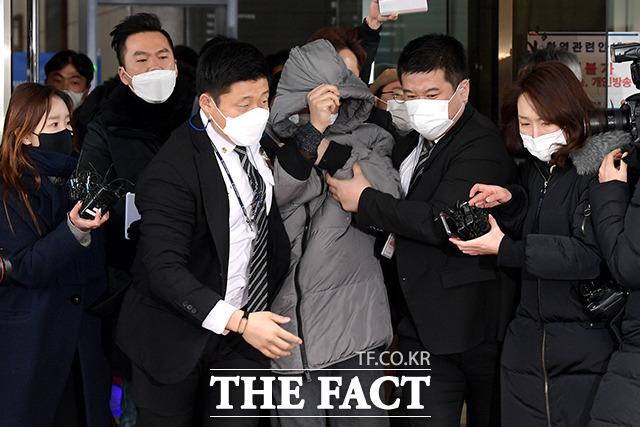 양부 안 씨는 징역 5년형을 선고받고 법정구속됐다. /이선화 기자