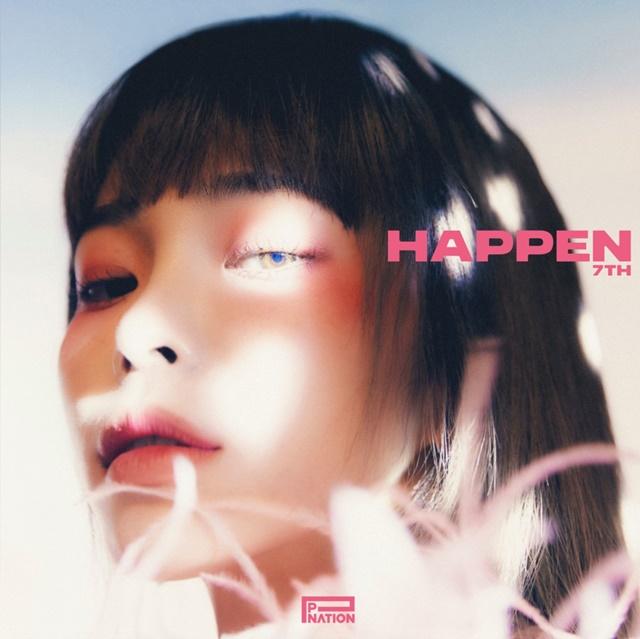 가수 헤이즈가 오는 20일 발매하는 일곱 번째 EP HAPPEN의 앨범 커버 및 티저 이미지들을 공개했다. /피네이션(P NATION) 제공