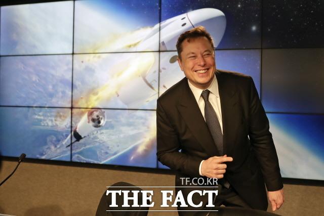 테슬라 최고경영자(CEO) 일론 머스크(사진)가 비트코인 지지자들과 온라인 설전을 벌이고 있다. /AP. 뉴시스