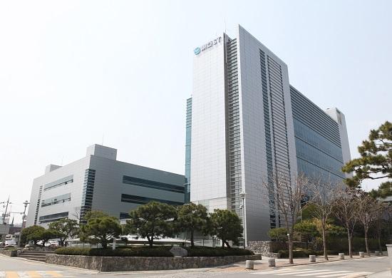 동아에스티는 한국표준협회가 실시한 갱신심사를 통과해 부패방지경영시스템 ISO 37001을 재인증 받았다고 18일 밝혔다. /동아에스티 제공