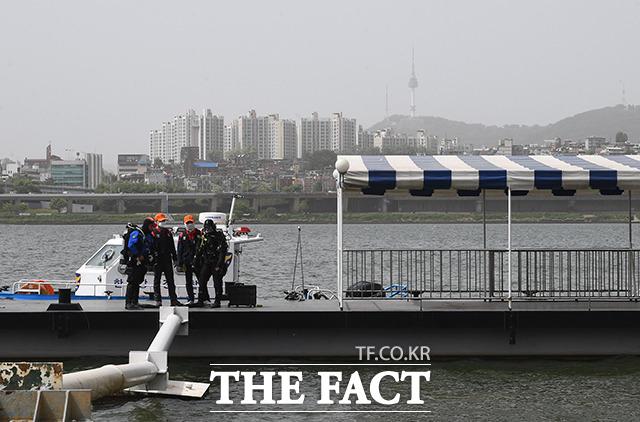 한강공원에서 숨진 채 발견된 고 손정민씨가 실종된 날 한강 물에 들어가는 한 남성을 봤다는 제보자가 나타나 경찰이 확인 중이다./이동률 기자