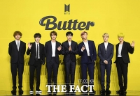 완전체로 돌아온 BTS '올 여름은 버터!' [TF사진관]