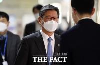 '택시운전사 폭행 혐의' 이용구 차관 검찰 출석