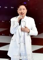 신곡 '한 판 뜨자' 시동 박현빈,