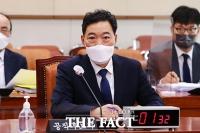 '옵티머스 수임·아들 취업' 파상공세…김오수 청문회 공방