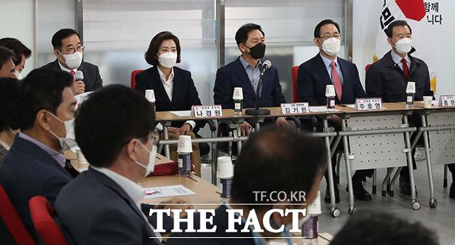 이준석, 조경태 후보 빠진 당대표 후보자 초청 간담회