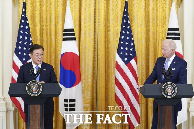 문재인 대통령이 지난달 21일 오후(현지시간) 미국 워싱턴 백악관 이스트룸에서 조 바이든 미국 대통령과 공동기자회견을 하는 모습. /청와대 제공