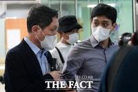 '묵묵부답' 법원 출석한 구본성 부회장 [포토]
