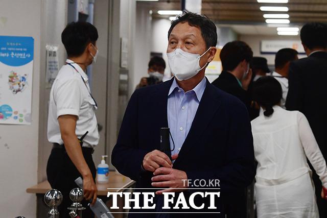 구본성 부회장은 지난 3일 특수재물손괴·특수상해 등의 혐의로 서울중앙지방법원에서 재판을 받고 징역형의 집행유예를 선고받았다. /남용희 기자