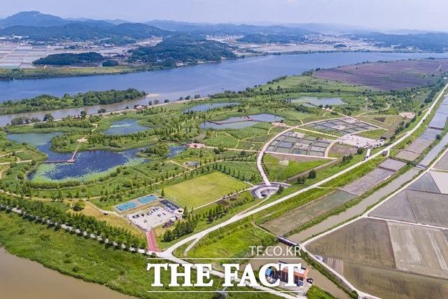 국내 최대 규모이자 전북지역 최초로 국가 지방정원 조성이 추진되고 있는 익산시 용안생태습지가 4가지 테마로 구상될 예정이다. /익산시 제공