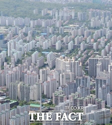 6일 한국부동산원 월간 통계에 따르면 올해 5월까지 수도권 아파트값의 누적 상승률은 6.95%를 기록했다. /더팩트 DB