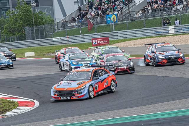 현대차, 뉘르부르크링 24시 내구레이스 우승…6년 연속 전 차종 ..