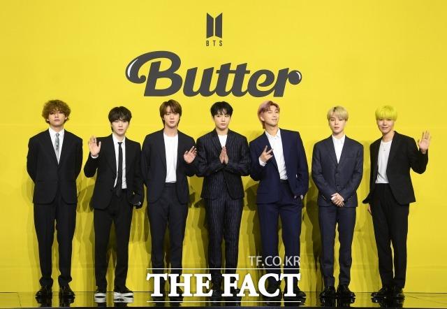 그룹 방탄소년단이 신곡 Butter로 빌보드 메인 싱글차트인 핫 100에서 2주 연속 정상에 등극했다. /이새롬 기자