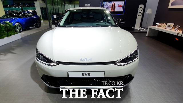 기아가 E-GMP를 기반으로 만든 브랜드 최초 전기차 EV6./남윤호 기자