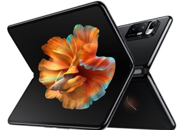 샤오미는 지난 3월 기존 폴더블폰 제품보다 가격(약 172만 원)을 낮춘 미 믹스 폴드를 출시했다. /샤오미 제공
