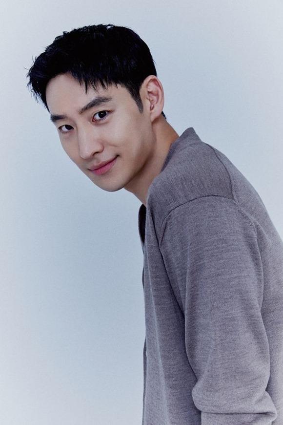 배우 이제훈이 SBS 모범택시 안에서 1인 다역을 짧은 시간 안에 소화할 수 있었던 비결을 공개했다. /피알제이 제공