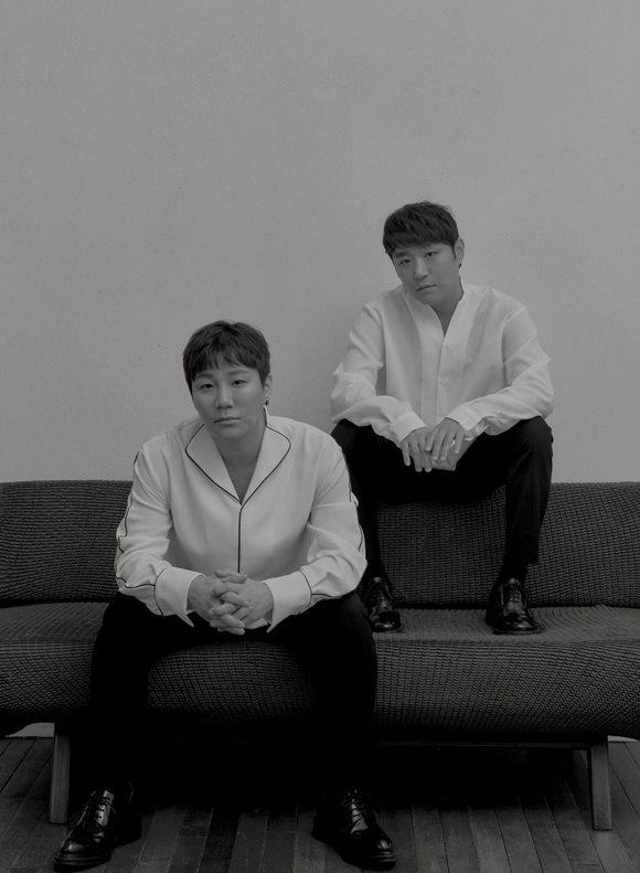 보컬듀오 바이브(VIBE)가 레전드 R&B 그룹 보이즈 투 맨과 컬래버레이션 음원을 발매한다. /메이저나인 제공