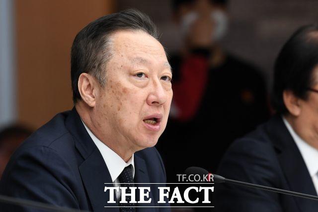 박용만 회장 '대통령·경제사절단 세일즈 폄하…답답하다'